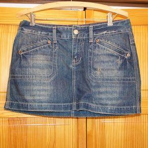 American Eagle Denim Mini-Skirt, size 6